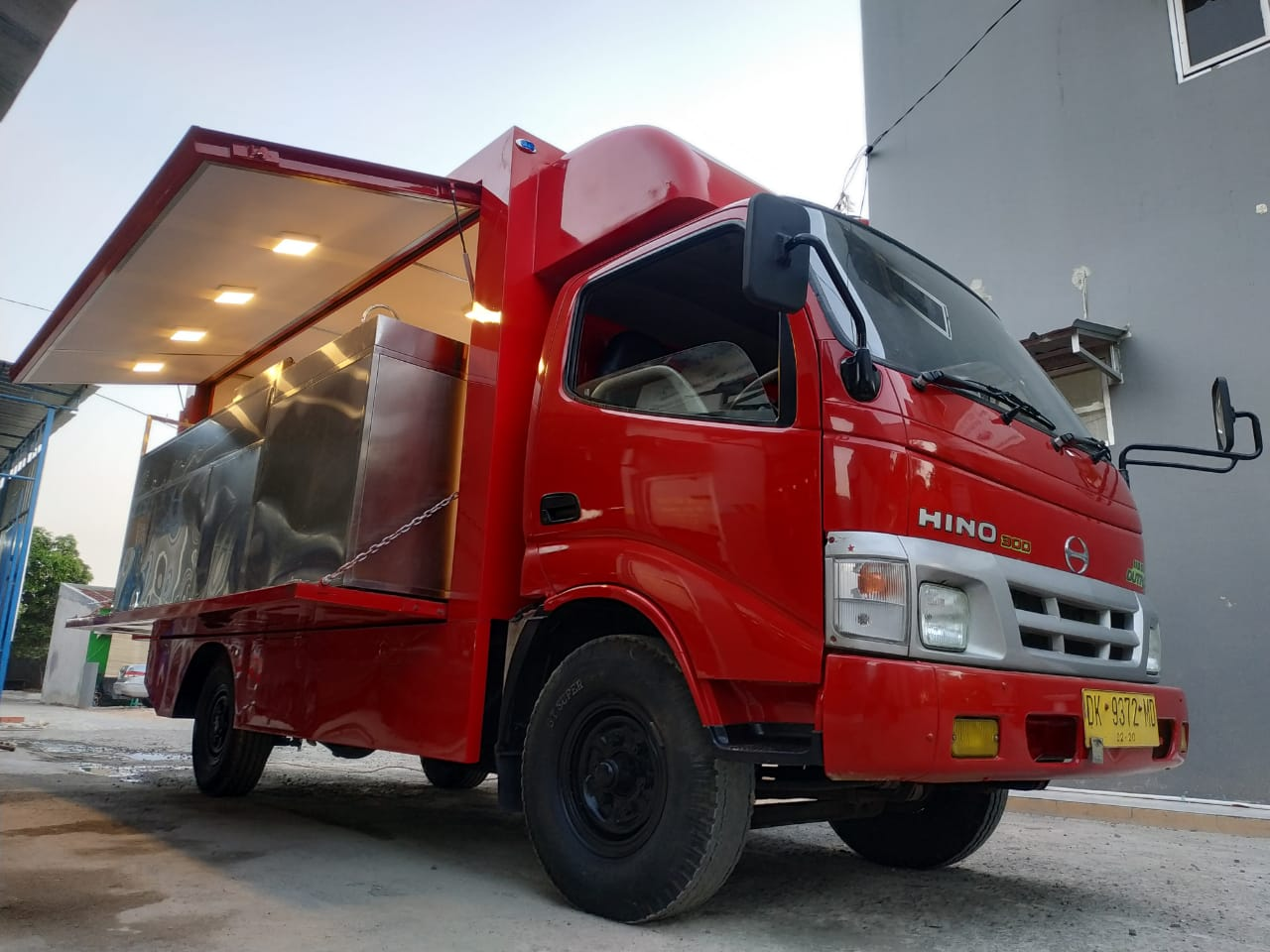 Jual Food Truck Custom Karoseri